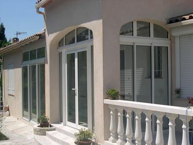 Az Aluplast árlista tartalmazza a bejárati ajtó árakat is