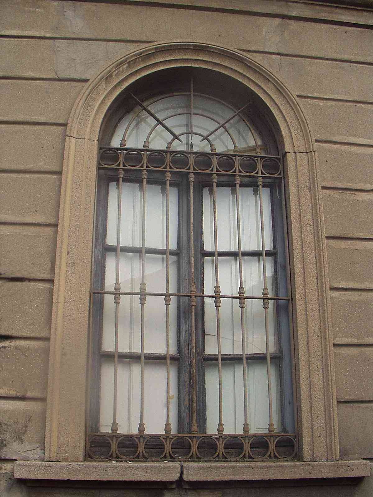 Kedvező redőny árak és minőségi ablak Budapesten!