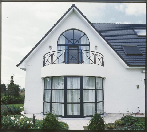 Ablakok vs. műanyag redőny árak!